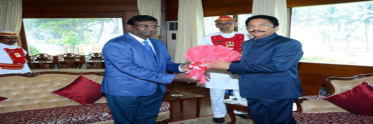 <h3>Meeting with His Highness Hon. Governor CH. Vidya Sagar Rao</h3>